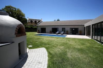 Property For Rent in Constantia, Cape Town