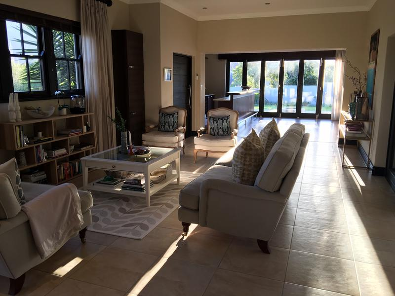 Property For Rent in Constantia, Cape Town 10