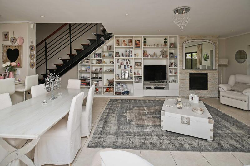 Property For Sale in Stonehurst Mountain Estate, Cape Town 6