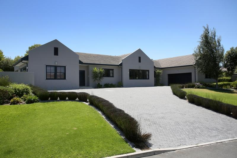 Property For Sale in Constantia, Cape Town 19