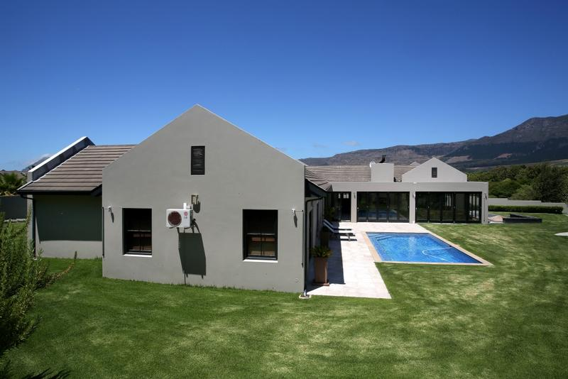 Property For Sale in Constantia, Cape Town 15