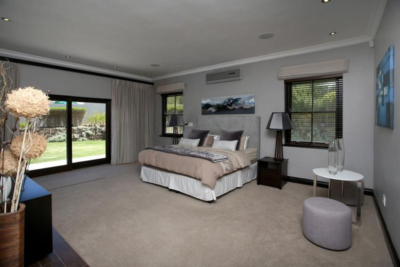 Property For Sale in Constantia, Cape Town 12