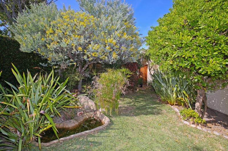 Property For Sale in Constantia, Cape Town 17