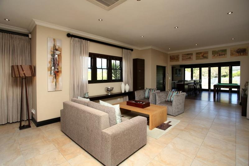 Property For Sale in Constantia, Cape Town 25