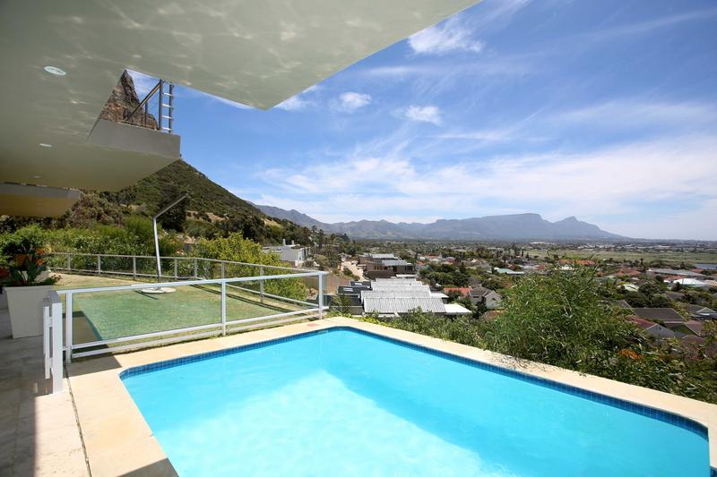 Property For Sale in Lakeside, Cape Town 2