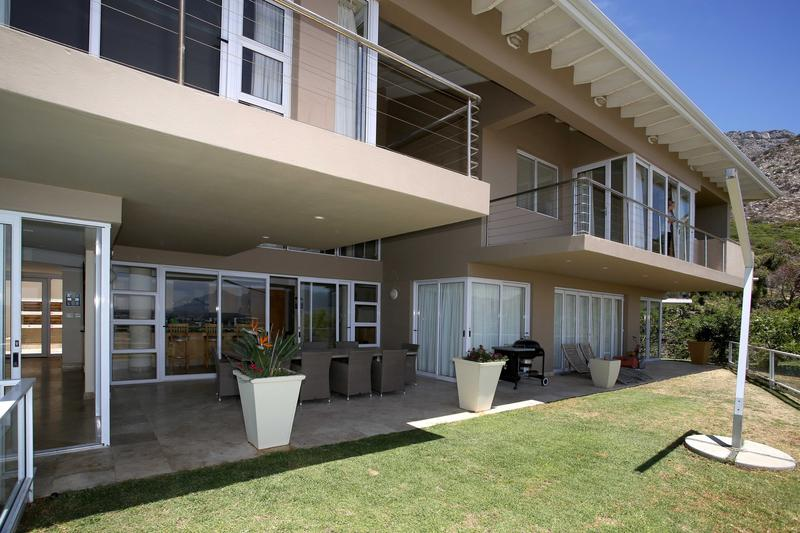 Property For Sale in Lakeside, Cape Town 17