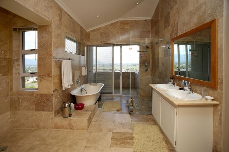 Property For Sale in Lakeside, Cape Town 12