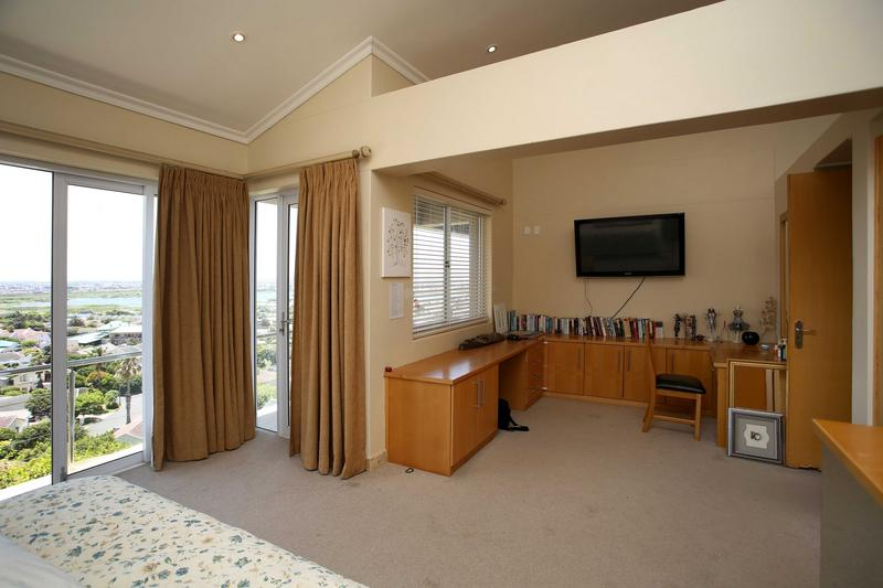 Property For Sale in Lakeside, Cape Town 14