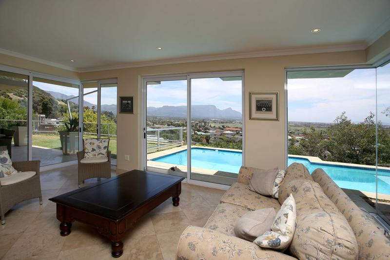 Property For Sale in Lakeside, Cape Town 8