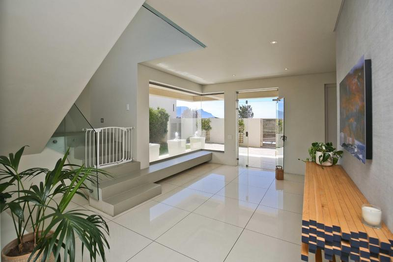 Property For Rent in Stonehurst Mountain Estate, Cape Town 11