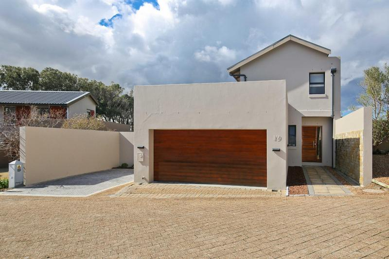 Property For Sale in Stonehurst Mountain Estate, Cape Town 29