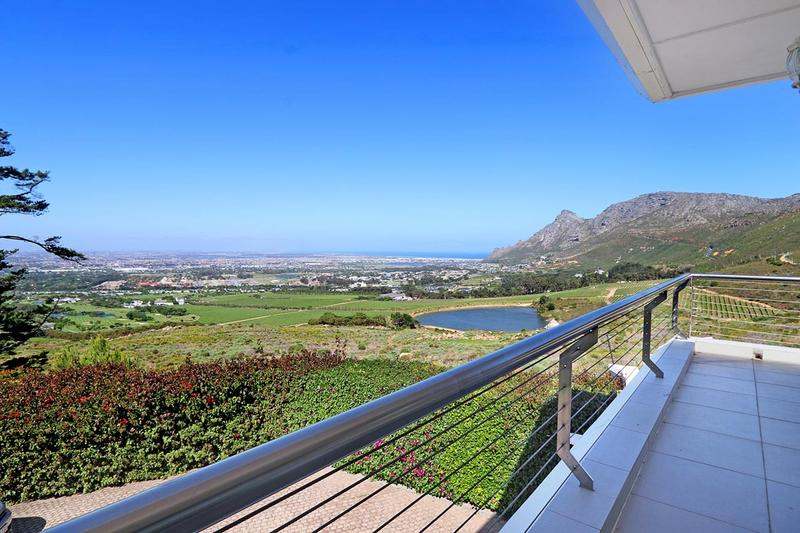 Property For Sale in Zwaanswyk, Cape Town 1