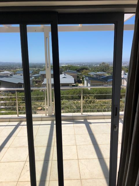 Property For Rent in Stonehurst Mountain Estate, Cape Town 9